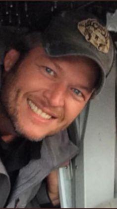 Blake SheltonYou can find Blake shelton and more on our website. Celebrity Travel, Celebrity Crush, Celebrity Photos, Gwen And Blake, Blake Shelton And Gwen, Country Music Stars, Country Music Singers, Black Shelton, Hot Country Boys