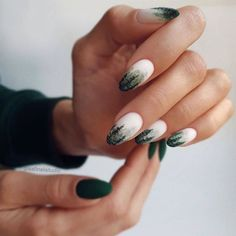 Winter Forest Nail Art ★ Easy, elegant and classy winter nails to celebrate Christmas and winter in general! Nagellack Ideen Unique And Beautiful Winter Nail Designs Cute Christmas Nails, Xmas Nails, Holiday Nails, Christmas Colors, Christmas Christmas, Christmas Makeup, Simple Christmas, Christmas Ideas, Winter Nail Art