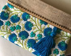 Handmade Embroidered Boho Bag is just one of many bohemian clutch bag designs at thebohochiccollection Fabric Bags, Jute Fabric, Felt Fabric, Sacs Tote Bags, Hobo Bags, Bohostyle, Embroidery Bags, Handmade Bags, Handmade Clutch