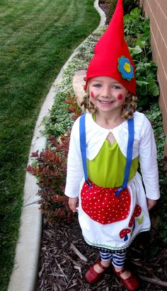 Check out this gnome costume...Love it! Diy Girls Costumes deea2b7de31