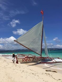 The best things to do and eat in Boracay in the Philippines.
