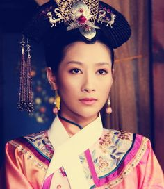 Legend of Zhen Huan(Empresses In The Palace,甄嬛传). Historical Romance, Historical Fiction, Chinese Style, Chinese Hair, Chinese Fashion, Empresses In The Palace, Most Beautiful, Beautiful Women, Period Outfit