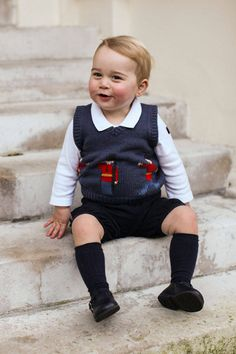 See the adorable new royal Christmas photos of Prince George.