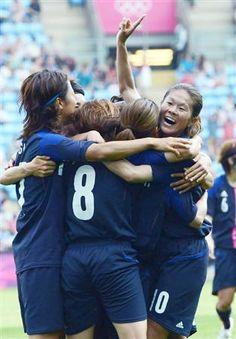Women Football / vs Canada【サッカー女子】寄り添い、支え合い…復興の力に 「なでしこ」大儀見、鮫島