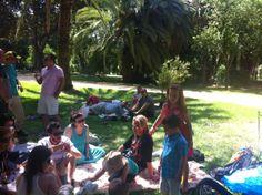 De picnic con los compis, en parque Mª Luisa