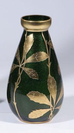 604: Vase Harrach Neuwelt Glass Art Deco Nouveau old : Lot 604