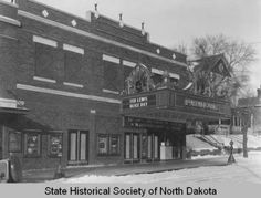 Paramount Theatre, Bismarck, N.D. :: State Historical Society of North Dakota (SHSND)
