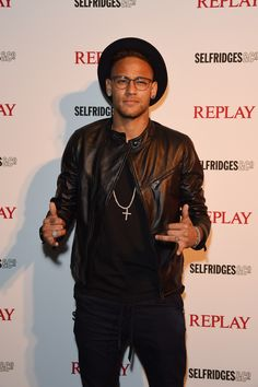 London gets even cooler with Neymar jr at the party.