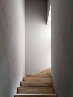 Staircase Design by Innauer-Matt Architects