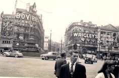 Piccadilly Circus, London, 7 June 1954.