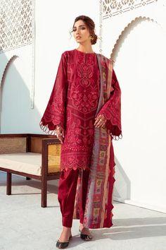 Pakistani Fashion Casual, Pakistani Dress Design, Pakistani Suits, Pakistani Dresses, Salwar Suits, Lawn Suits, Uk Fashion, Fashion Ideas, 3 Piece Suits