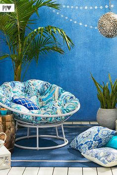 Take another look at an old favorite: We took our iconic Pier 1 Papasan and gave it a metal frame wrapped in all-weather wicker. Our outdoor-ready model is available in a variety of colors with lots of cushion options!