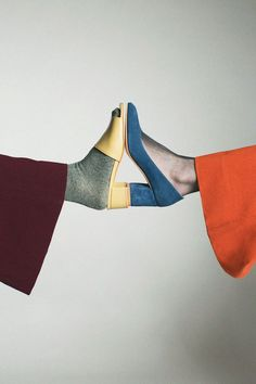 Maryam Nassir Zadeh different color shoes