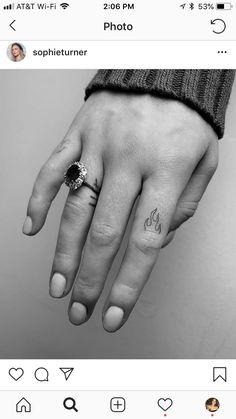 Single needle flames on Sophie Turner. Sophie Turner, Red Ink Tattoos, Ring Tattoos, Tatoos, Will Turner, Leo Sign Tattoo, Phoenix, Game Of Thrones, Leo Constellation Tattoo