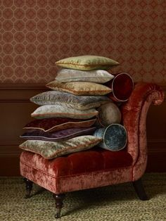 Velvet chair / cushions