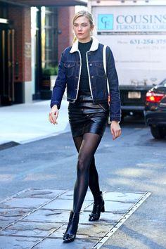 karlie-kloss-in-black-leather-mini-skirt-denim-bomber-jacket-nyc-10-31-2016-2.jpg (1280×1920)