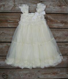 Lace flower girl dress. Ivory flower girl dress. por KadeesKloset