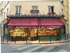Décor du film Le Fabuleux Destin d'Amélie Poulain : l'épicerie de la rue des Trois Frères à Montmartre.