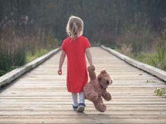 little girl walking away Girl Walking Away, Cute Kids, Cute Babies, Teddy Bear Tattoos, Teddy Bear Drawing, Tedy Bear, Teddy Bear Images, Human Poses Reference, Child Smile