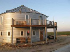 Grain silo house! Saw this in Mother Earth News magazine and thought it was an amazing idea!