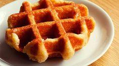Low Carb Rezept für Low-Carb Vanille-Protein Miniwaffeln. Wenig Kohlenhydrate und einfach zum Nachkochen. Super für Diät/zum Abnehmen.