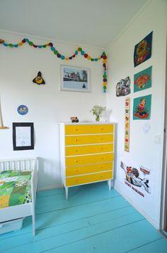 Handmade Vibeke: Fargelenke på barnerommet