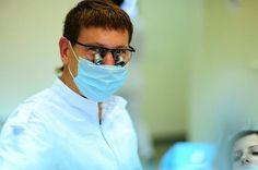 Виталий Юдин - профессиональный стоматолог, врач - Все виды стоматологических услуг - LadyPraha