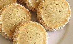 lägg smör samt socker i mitten. Candy Recipes, Cookie Recipes, Snack Recipes, Snacks, Bagan, Swedish Cookies, Candy Drinks, Swedish Recipes, Piece Of Cakes