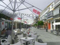 """El centro de Sanlúcar se ha convertido en un """"polo gastronómico"""", uno de los mejores parques temáticos del tapeo de la provincia. La zona sigue creciendo y se amplia ahora hasta la calle Ancha donde han abierto o están a punto de abrir tres nuevos establecimientos. Te lo contamos al detalla en el enlace. http://www.cosasdecome.es/sin-categora/el-lantero-se-pasa-al-centro/#.VVhSuEa1d6I"""