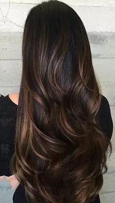 صبغات شعر مميزة للبشرة الحنطية مجلة سيدتي البشرة الحنطية من الدرجات المميزة للكثير من الصبايا بعالمنا العربي و Winter Hair Color Hair Styles Hair Color Dark