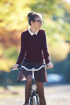 So, let's talk about some cute preppy fall outfits for the smart and sassy look- and don't EVER forget. Preppy is sexy too! Neue Outfits, Preppy Outfits, Fashionable Outfits, Fall Winter Outfits, Autumn Winter Fashion, Autumn Look, Moda Formal, Look Fashion, Womens Fashion