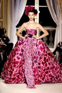 Giambattista Valli Haute Couture 2015 | The Giambattista Valli Spring 2012 Haute Couture Collection is Chic