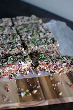 Quinoa Fruit & Nut Bars - Incredibly delicious and a great source of power food! #healthy #cleaneating #eatclean #nutritious #energy #yummy