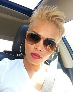 20 Pics Of Edgy Pixie Cut Style. Short hair, especially pixie cuts, are so fashionable. You think short hair will be easy—until you're having one Edgy Pixie Cuts, Pixie Cut Styles, Best Pixie Cuts, Short Hair Cuts, Short Hair Styles, Very Short Pixie Cuts, Pixie Crop, Edgy Pixie Hairstyles, Blonde Pixie Haircut