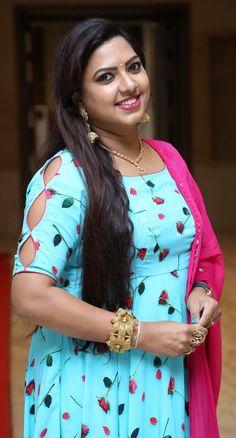 Beautiful Girl Indian, Most Beautiful Indian Actress, Beautiful Saree, Indian Wife, Indian Girls, Indian Actress Hot Pics, Indian Actresses, Indian Girl Bikini, Indian Costumes