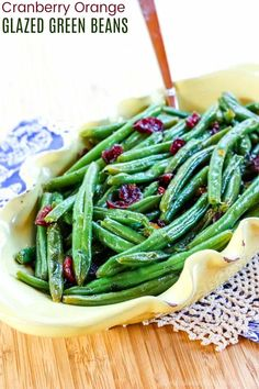 Cranberry Orange Glazed Green Beans - a quick and easy vegetable side dish recipe for Thanksgiving or Christmas. Sweet and tangy, plus healthy and fast enough to serve with a busy weeknight dinner. Gluten free and vegan too. Turkey Dinner Sides, Turkey Side Dishes, Easy Vegetable Side Dishes, Healthy Side Dishes, Vegetable Sides, Veggie Dishes, Side Dish Recipes, Veggie Recipes, Healthy Recipes