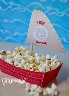 Moana Polynesian boat food snack trays and sail toppers for birthday party – pdf printable treat favor popcorn box – Back to School Crafts – Grandcrafter – DIY Christmas Ideas ♥ Homes Decoration Ideas Moana Birthday Party Theme, Moana Themed Party, Moana Party, 4th Birthday Parties, 2nd Birthday, Party Snacks, Party Favors, Party Appetizers, Festa Moana Baby