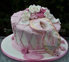 Single tier Masquerade Cake - this is the one yo Masquerade Cakes, Masquerade Wedding, Masquerade Theme, Masquerade Ball, Bithday Cake, 21st Birthday Cakes, 15 Birthday, Birthday Ideas, Creative Desserts
