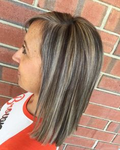 15 Bronde Hair Color Ideas That Flatter Any Skin Tone These 15 Examples of Lowlights for Brown Hair Grey Brown Hair, Black Hair Ombre, Brown Hair Shades, Light Brown Hair, Light Hair, Brown Hair Colors, Gray Hair, Hair Lights, Hairstyles Haircuts