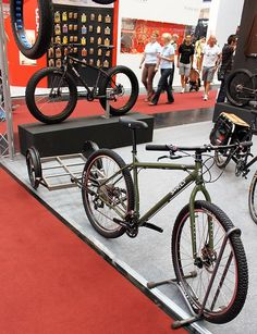 surly troll with a surly trailer...I don't really have anything to haul but this set up makes me wanna find something.
