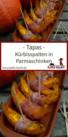 Tapas - pumpkin wedges in Parma ham - - Great Appetizers, Appetizer Recipes, Tapas Recipes, Dinner Recipes, Yummy Recipes, Halloween Fingerfood, Parma Ham, Tapas Party