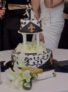New Orleans saints wedding cake