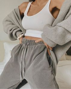 Cute Lazy Outfits, Chill Outfits, Mode Outfits, Sporty Outfits, Stylish Outfits, Cute Lounge Outfits, Classy Outfits For Teens, Athleisure Outfits, Hipster Outfits