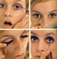 Twiggy being Twiggy. How to make up twiggy style. Mod Makeup, Twiggy Makeup, Makeup Inspo, Makeup Inspiration, Makeup Tips, Beauty Makeup, Hair Makeup, Makeup Style, Sixties Makeup
