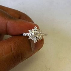 Another sparkling flower in the workS  #sparkling #flower #floral #diamond #flowerring #engagementring #engaged #proposal #isaidyes #shesaidyes #isaidfinally #gettingmarried #bridetobe #bridal #theknotring #apbling #firstfriday #marchfourth #weddinginspiration #weddings #design #sparkle #diamondring #moissanite #etsyshop #california #nyc #friday #friyay #instagood