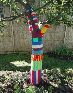 Tree Knitting | Ivy Arch: Yarn Bombed Trees in Worthing