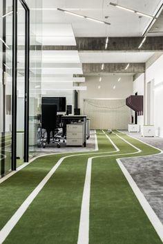 Inside One Football Office  (a se lahko namesto namiznega fuzbala raje kaj takega omisli, prosim, hvala)