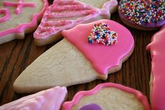 Cute cutout sugar cookies. Mine would never look this way but I do have the best recipe for cutout sugar cookies and it's over 160 yrs old so tried and tested! Blend: 1 c. Shortening, 1/2 tsp salt, 2 eggs, 1 c. Sugar, 1 tsp. vanilla. Add: 4 c. Flour, 5 Tbsp milk, 1/2 tsp soda. Roll, cut out and bake at 350 for 8 min. Frost. :)