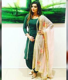 Patiala Suit Designs, Patiala Salwar Suits, Salwar Suits Party Wear, Kurti Designs Party Wear, Salwar Dress, Churidar, Saree Blouse, Designer Punjabi Suits, Indian Designer Outfits