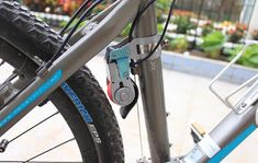 Bicycle Dynamo Charger Or How To Charge your Phone When Biking - http://coolpile.com/gadgets-magazine/bicycle-dynamo-charger-or-how-to-charge-your-phone-when-biking via coolpile.com  #BatteryCharger  #Bicycle  #BikeGear  #CellChargers  #Smartphones  #USB  #coolpile  #gadgets